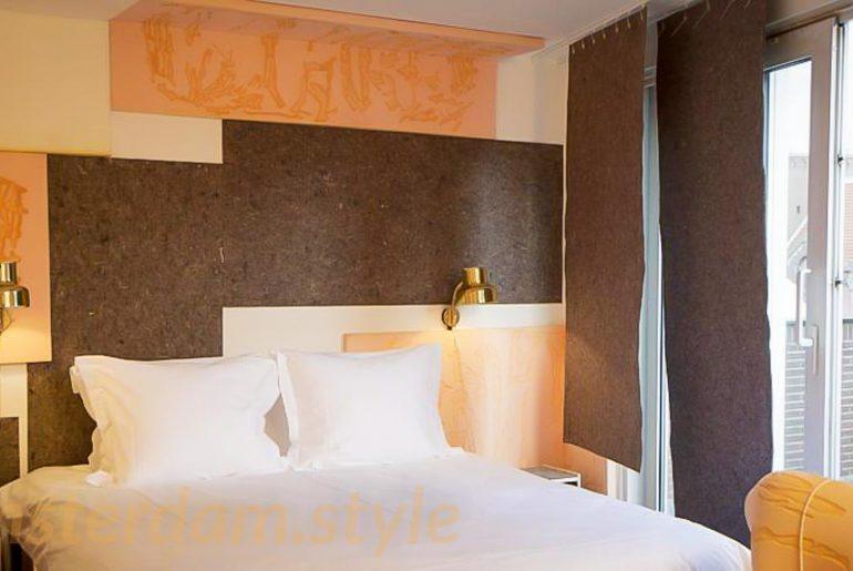 hotel insolite amsterdam amsterdam le blog d 39 oriane et angel. Black Bedroom Furniture Sets. Home Design Ideas